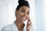 Les 4 meilleurs laits démaquillants pour le visage, démaquiller et nettoyer en douceur